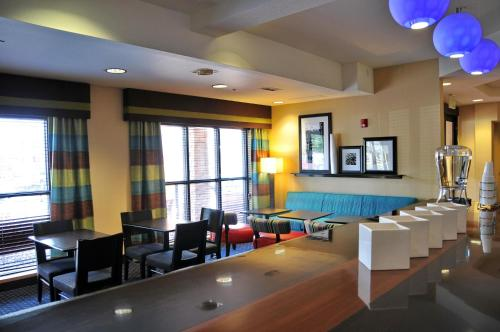 Hampton Inn Glenwood Springs - Glenwood Springs, CO 81601