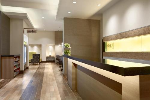 Home2 Suites by Hilton Philadelphia Convention Center Photo