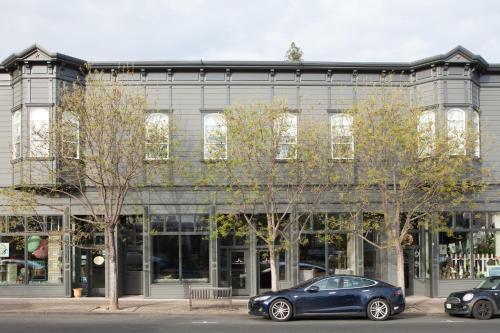 1424 Main Street, St Helena, CA 94574, United States.