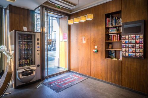 Art Hôtel Batignolles photo 14
