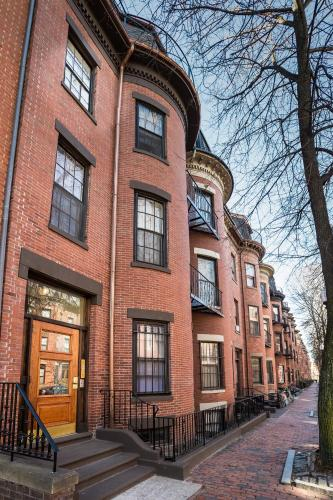 102 Chandler Street by Lyon Apartments Photo