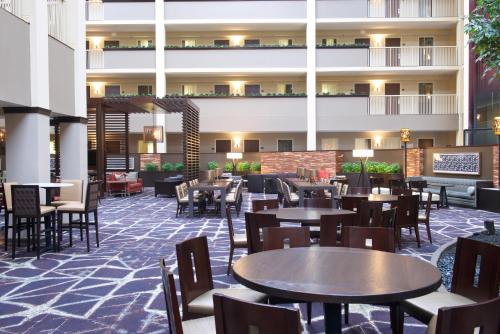 Embassy Suites Philadelphia - Airport