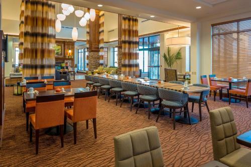 Hilton Garden Inn Uniontown Photo