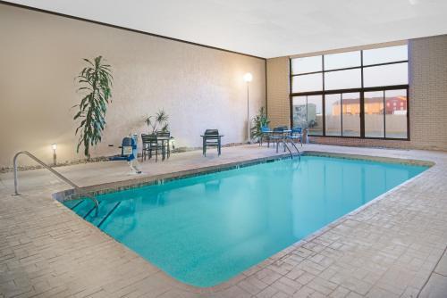 Days Inn & Suites Clovis Photo