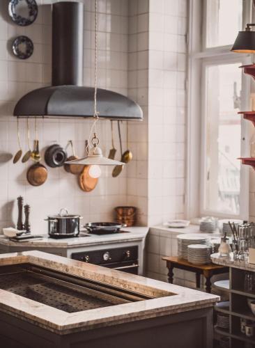 henri hotel review berlin germany travel. Black Bedroom Furniture Sets. Home Design Ideas