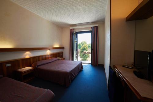 Hotel giardino arona in italy
