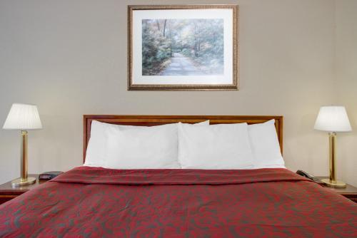 Days Inn By Wyndham New Cumberland/harrisburg South - New Cumberland, PA 17070