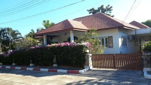 Mae Rampung Beach House