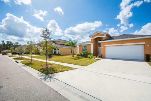 Snow White - Crystal Cove - Kissimmee, FL 34746