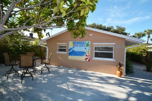 Indian Rocks Beach Suites - Indian Rocks Beach, FL 33785