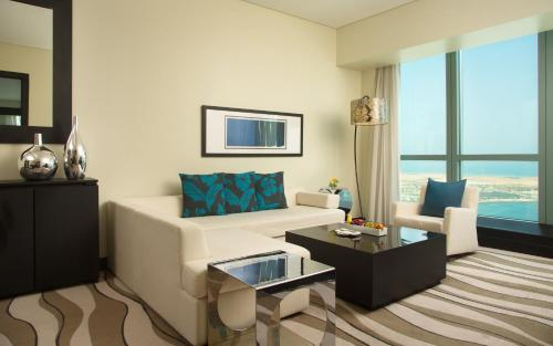 Sofitel Abu Dhabi Corniche photo 28