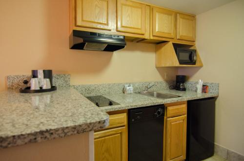 Quality Suites Orlando Kissimmee The Royale Parc Suites photo 37