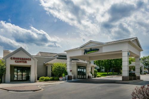 Radisson Hotel & Conference Center Coralville - Iowa City Photo