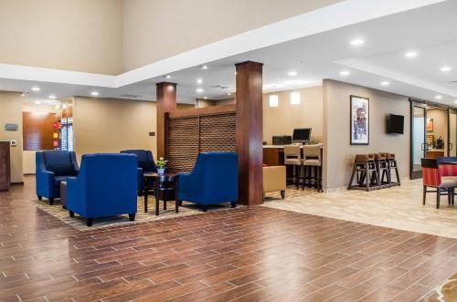 Comfort Suites Manheim - Manheim, PA 17545