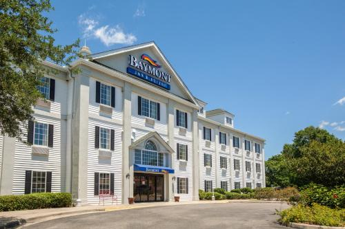 Baymont Inn and Suites Lafayette Airport Photo