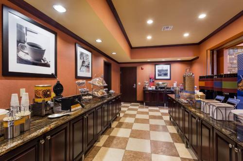Hampton Inn And Suites Mission - Mission, TX 78572