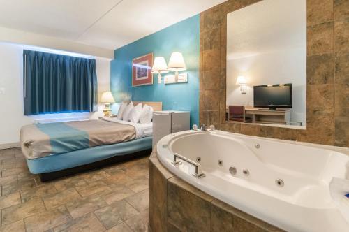 Motel 6 - Farmington Hills/detroit Northwest - Farmington Hills, MI 48335