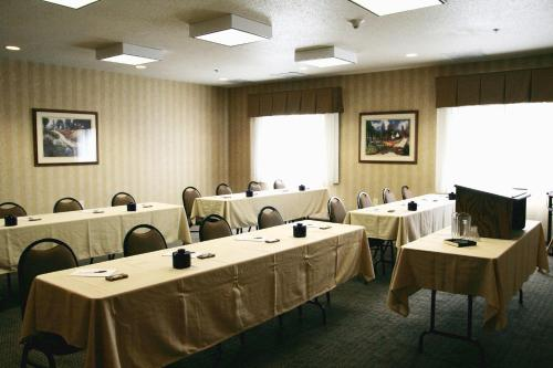 Hampton Inn Pittsburgh Area-beaver Valley-ctr Township - Monaca, PA 15061