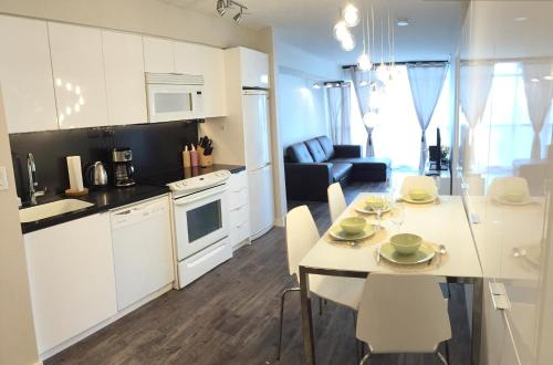 A&a Suites In The Heart Of Downtown Toronto - Toronto, ON M5V 4A5