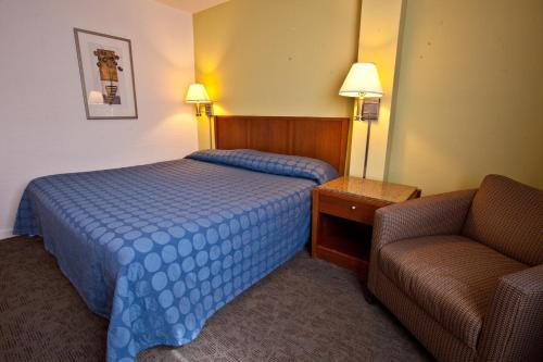 Oasis Inn Photo