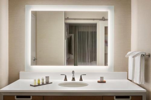 Embassy Suites By Hilton Mcallen Convention Center - McAllen, TX 78501