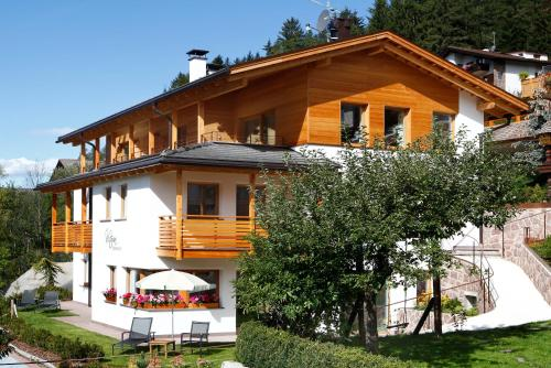 Apartments Victoria Hotel Ortisei in Italy