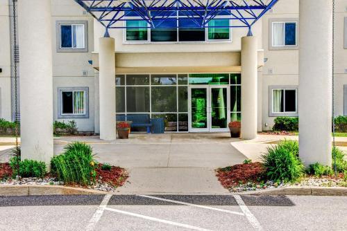 Motel 6 Huntsville - Huntsville, ON P1H 2P9