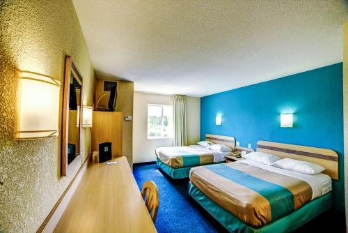 Motel 6 Huntsville ON Photo