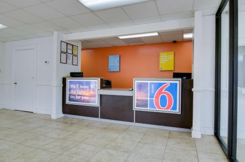Motel 6 - Atlanta - Chamblee Tucker - Atlanta, GA 30341