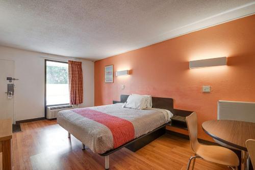 Motel 6 - High Point Photo