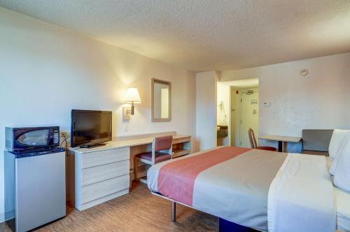 Motel 6 Denver South - Tech Center Photo
