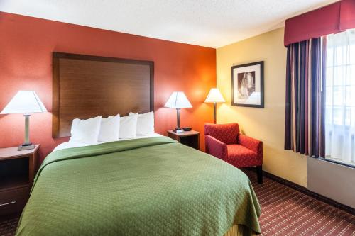 Quality Inn and Suites Lincoln Photo
