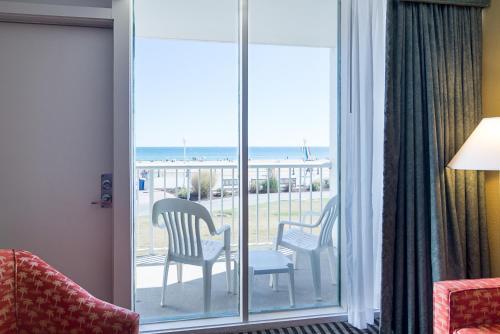 Econo Lodge Virginia Beach Photo