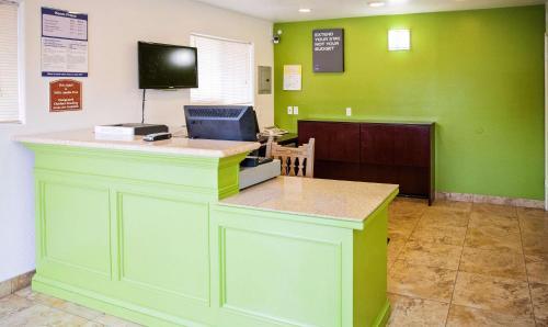 Studio 6 Mesa Photo