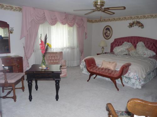 Les Diplomates B&b (executive Guest House) - Waterloo, ON N2L 4A2