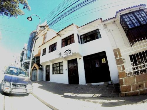 HotelTravelers Guesthouse