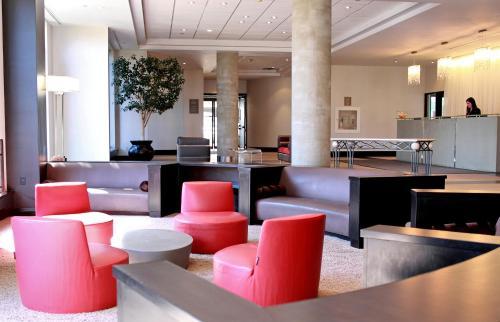 Edward Village Hotel Markham - Markham, ON L3R 0A3