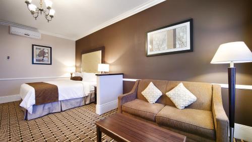 BEST WESTERN PLUS San Pedro Hotel & Suites Photo