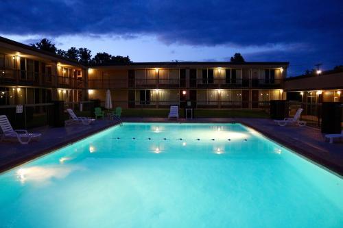 River Rock Hotel Mountain Home - Mountain Home, AR 72653