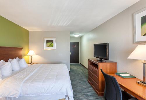 Quality Inn Mesquite - Dallas East Photo