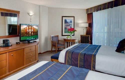 Harrison Hot Springs Resort & Spa - Harrison Hot Springs, BC V0M 1K0