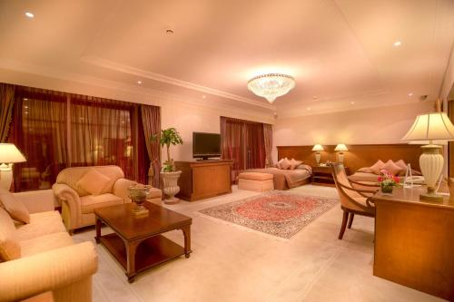Corniche Hotel Abu Dhabi photo 24