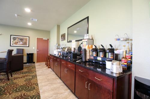 Cobblestone Hotel & Suites - Devils Lake, ND 58301