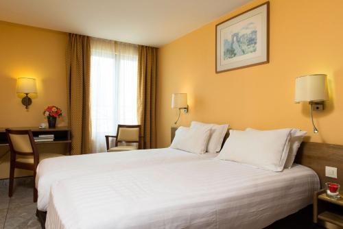 Hotel Bac Saint-Germain photo 25