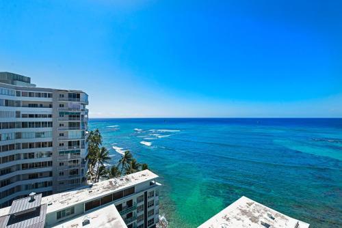 Diamond Head Beach Hotel - Honolulu, HI 96815