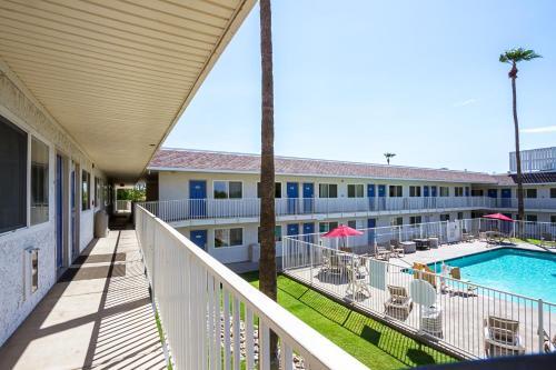 Motel 6 Mesa North Photo