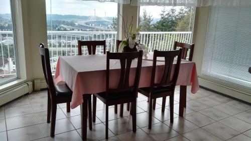 Vancouver Jinjiang Guesthouse - Coquitlam, BC V3K 6P3
