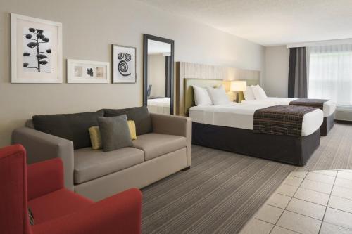 Country Inn & Suites by Radisson, Decorah, IA Photo