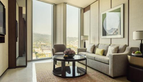 Four Seasons Hotel Seoul photo 32