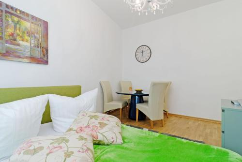 Grand Central Mitte Apartment photo 47